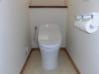 トイレの交換と一緒に内装工事で気持ち良く!