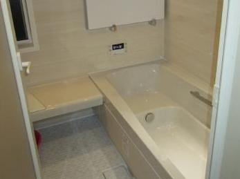 バリアフリー浴室で安心、快適♪