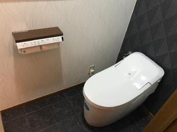 最新型トイレとオシャレな内装がとてもマッチしています!