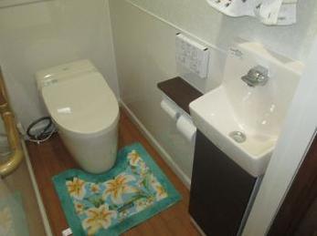 タンクレスで空間広々♪トイレ快適♪
