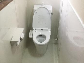 ちょっと珍しいトイレ交換の事例です。