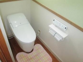 節水トイレで家計にエコ♪ 一体型トイレで快適♪