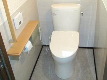 トイレ入替で節水、お掃除ラクラク♪ 腰壁パネルでずっとキレイ♪