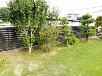 竹製の塀から丈夫なアルミ製へ