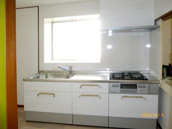 すっきりと明るく使いやすいキッチン