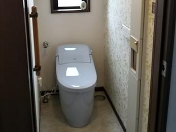 すっきりとして明るいトイレ空間