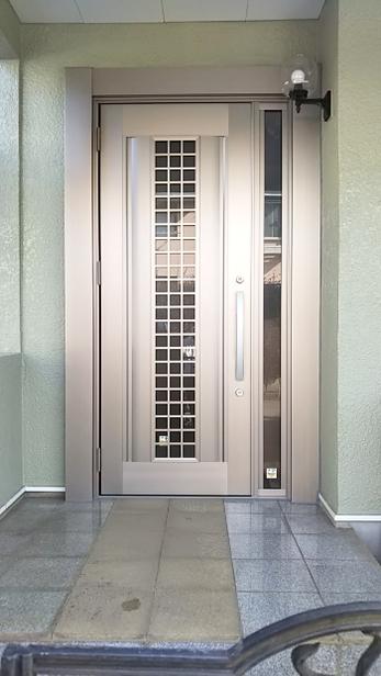 玄関ドアを新しくしたい!